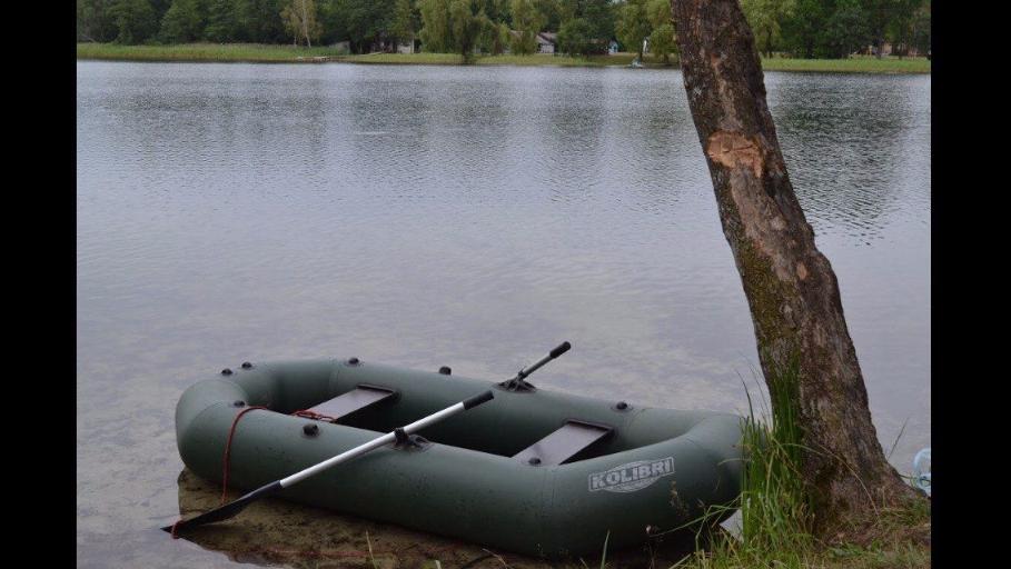 фото відпочинку на човні на озері Добре, Волинь