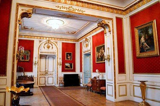 Зала в художньому музеї Одеси