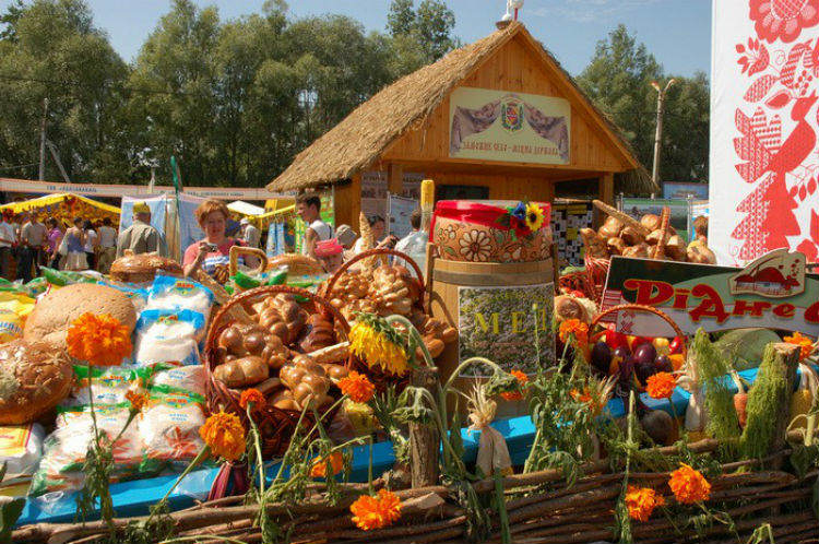 Мед из самого Мгарського монастиря