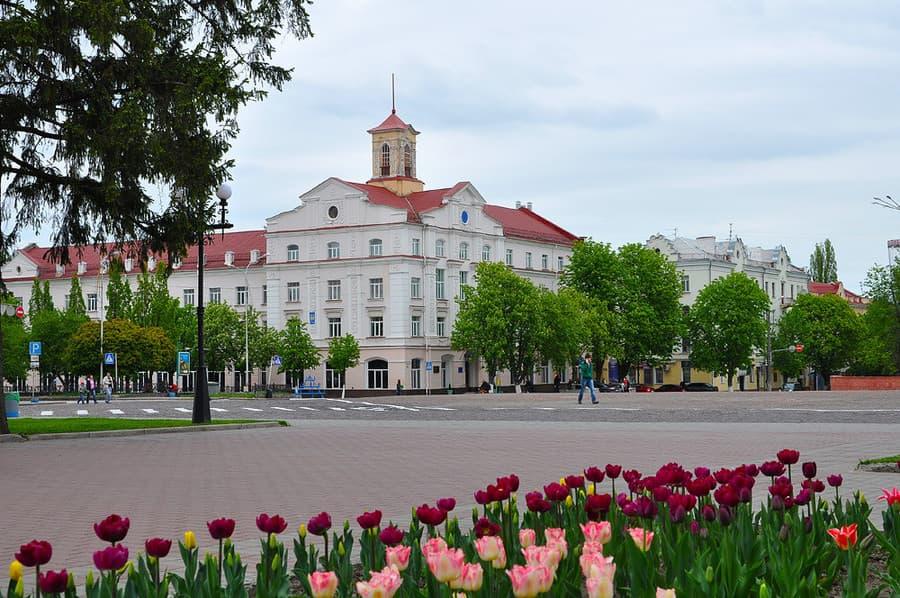 Кра́сна площа Чернігова