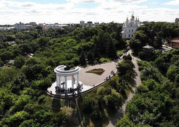 Левобережна україна. Символ Полтави - Біла альтанка, вид с квадрокоптера