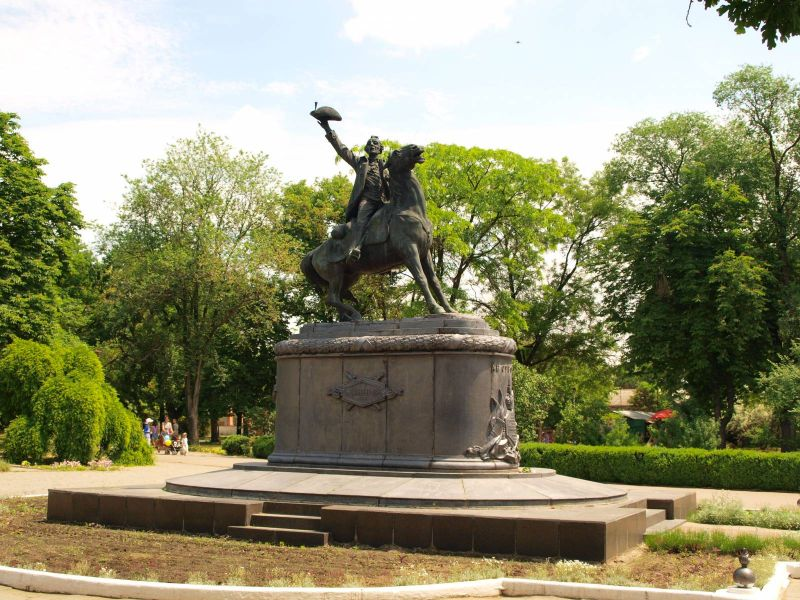 Памятник Суворову в Измаиле