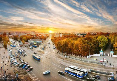 Панорама города Винница. Вид на микрорайон Вишенка, пл.Урожай, мед университет Пирогова