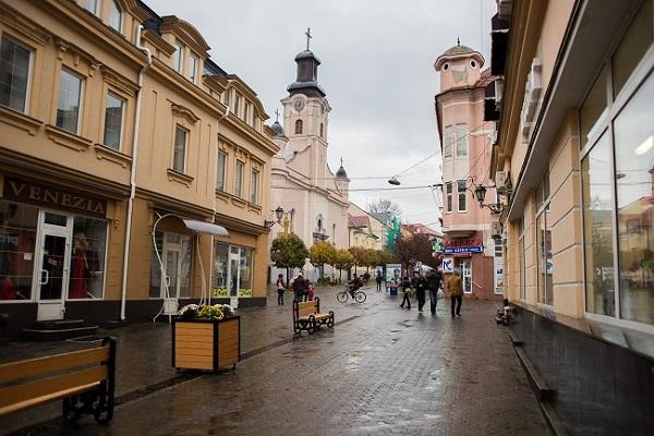 Ужгород Улица Корзо - одна из важнейших улиц Ужгорода