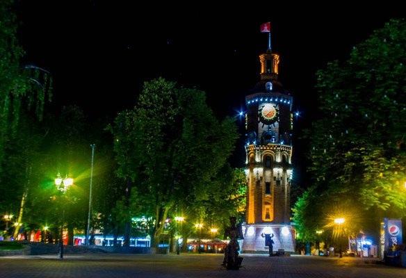 что посмотреть. отдых на выходные в Виннице. Водонапорная башня (каланча), вечерняя Винница