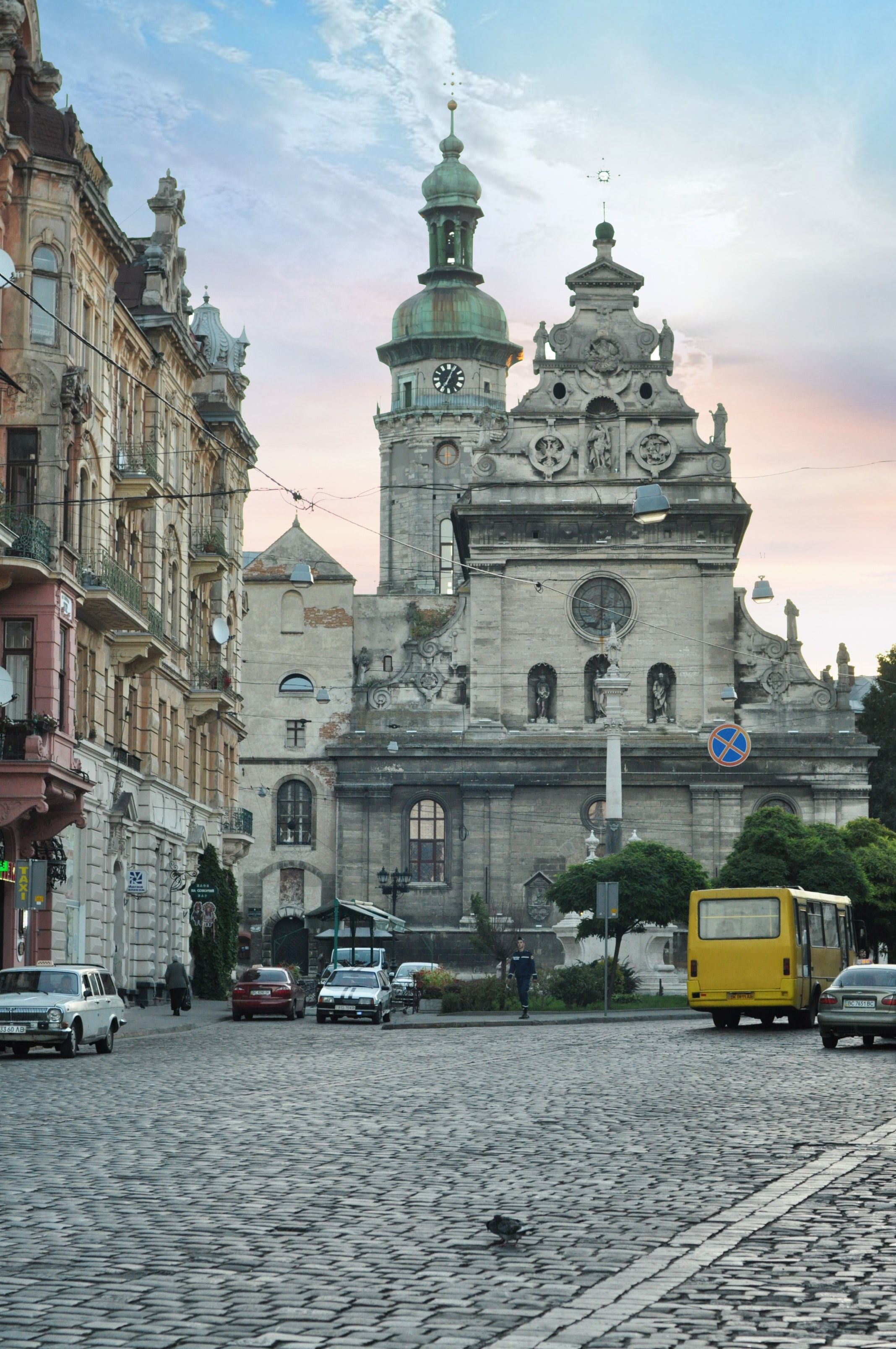 Львів стара церква