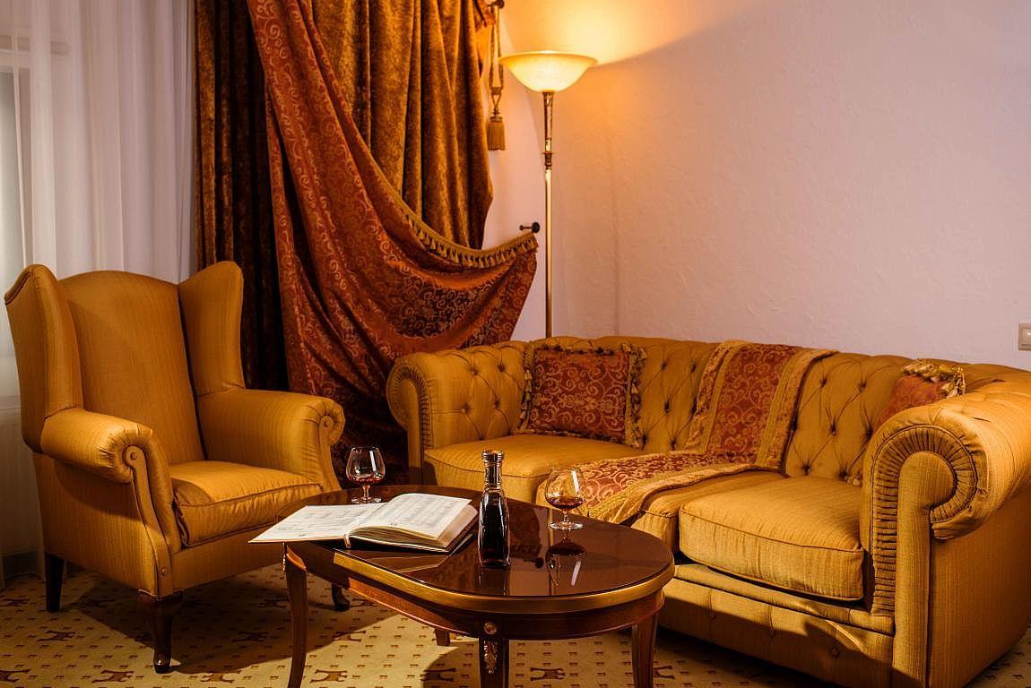 Проживання у львові де зупинитись у львові номер готелю Цитадель