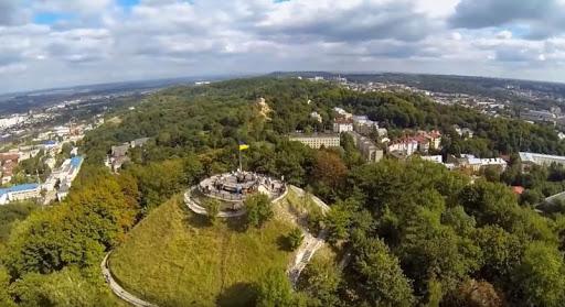 Високий замок у Львові - мальовничий парк з приголомшливим видом на місто